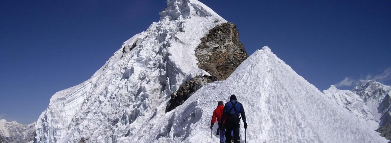 Lobuche Peak Climbing – 16 Days